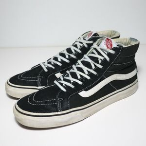 Vans Off The Wall Sk8 High Skate Shoe